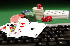 Sejarah Singkat dan Perbedaan Judi Video Poker Biasa & Video Poker Online